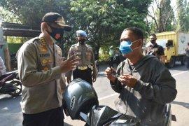 Petugas gabungan gelar operasi yustisi protokol kesehatan jaring 12.644 warga Cirebon