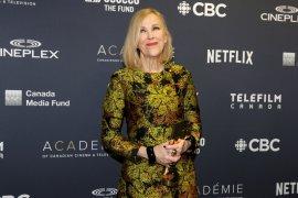"""Serial komedi """"Schitt's Creek"""" borong penghargaan  di Emmy Award"""
