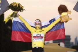 Tadej Pogacar juara Tour de France