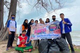 """FAKSI  Belitung Timur gelar """"operasi semut"""" bersihkan sampah"""