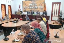 Bawaslu Bangka Tengah bahas upaya antisipasi kerumunan saat penetapan calon