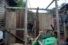 Pemerintah akan bangun rumah Bastiansyah yang roboh saat banjir