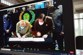 Pemprov-DPRD tandatangani persetujuan Raperda P-APBD Kaltim 2020