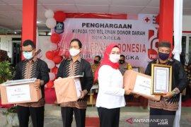 PMI Bangka berikan piagam penghargaan bagi 120 relawan aktif