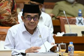 Menag Fachrul Razi menjalani isolasi di rumah sakit setelah positif COVID-19