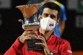 Novak Djokovic untuk kelima kalinya juara di Roma