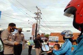 Di Kediri, Polresta bagikan 2 juta masker cegah penyebaran COVID-19