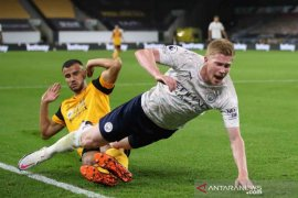 City menang meyakinkan atas Wolves 3-1 (video)