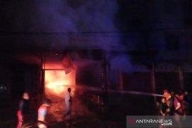 Empat unit ruko terbakar tewaskan tiga warga di Bireuen Aceh
