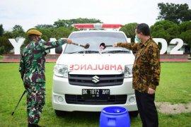 BRI serahkan mobil ambulans pada  Yonarmed 2/105 Kilap Sumagan