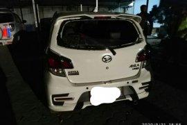 Bawa korban tabrakan ke puskesmas, kaca mobil pecah dilempar pihak keluarga