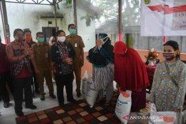 14.583 keluarga miskin Banjarmasin dapat pembagian beras