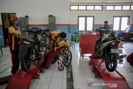 Pelatihan keterampilan otomotif bagi disabilitas