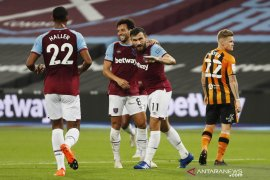 Piala Liga: West Ham menang besar atas Hull untuk melaju ke putaran empat