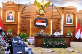 Gubernur Jatim Khofifah minta ASN tetap jaga tertib laporan keuangan