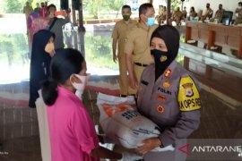 29.638 penerima manfaat PKH di Kabupaten Maluku Tengah dapat bantuan beras