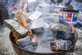 Bea Cukai Musnahkan Jutaan Batang Rokok Ilegal Page 3 Small