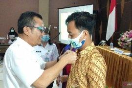Kepala BNN Papua Barat lantik penggiat P4GN kalangan swasta Sorong