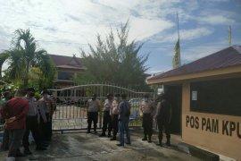 Pencabutan nomor urut,  Polisi jaga ketat kantor KPU Bengkalis