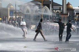 Demo hari tani di Bengkulu ricuh, delapan orang diamankan polisi