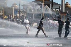 Demo Hari Tani di Bengkulu ricuh, delapan orang diamankan