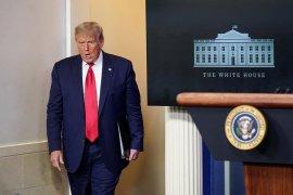Donald Trump tolak standar ketat BPOM AS untuk vaksin COVID-19