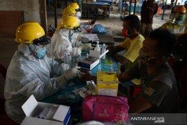 Tes cepat COVID-19 di Pasar Melati Medan, delapan pedagang dinyatakan reaktif