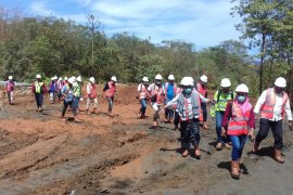 Dinas ESDM Malut hentikan sementara 10 perusahaan tambang