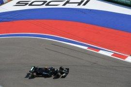 Pebalap tim Mercedes Bottas puncaki FP1 GP Rusia, Hamilton finis P19
