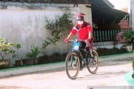 Bupati Aceh Barat jalani isolasi mandiri dengan berolahraga sepedadi pendapa