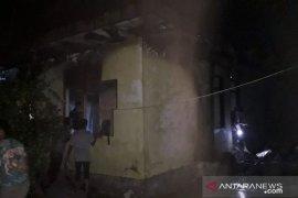 Diduga konsleting listrik, satu rumah hangus terbakar di Lhokseumawe