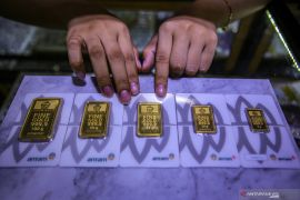 Harga emas Antam naik menjadi  Rp1.007.000/gram