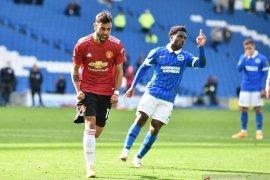 Penalti Fernandes bawa Manchester United menang dramatis 3-2 atas Brighton