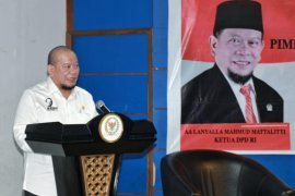 Temui Presiden, Ketua  DPD bahas dana bagi hasil sawit dan UU produk halal