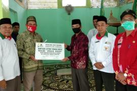 Baznas Kalbar bantu solar cell Masjid Amalul Hasan Sengkuang Kapuas