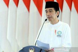 Presiden Jokowi berbincang dengan Dokter Paru-paru terkait penanganan COVID-19