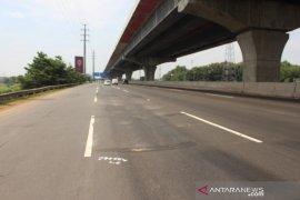 Jasa Marga rekonstruksi jalan Tol Japek arah Cikampek