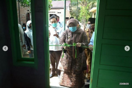 Bupati Muarojambi dan Baznas serahkan rumah program 'bedah rumah'