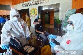 24 wartawan sempat kontak erat dengan Ketua DPRD Bogor jalani tes usap