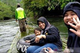 Video - Menjajal tantangan dan pesona alam Balanting Paring Liang Lahung, Loksado