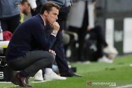 Scott Parker mengakui Fulham butuh bek baru untuk perbaiki pertahanan