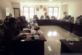 DPRD Maluku pertanyakan penolakan masyarakat atas tambang marmer di SBB