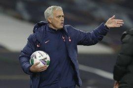 Walau Tottenham menang, Mourinho keluhkan jadwal