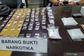 Polisi tangkap lima pengedar sabu-sabu seberat 3,9 kilogram