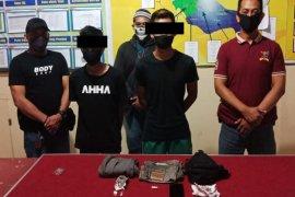 Polisi tangkap dua pelaku kriminal narkoba di Bengkayang