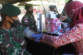 TNI donor darah gratis di perbatasan