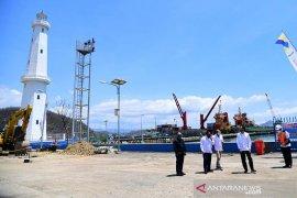 Presiden Jokowi meninjau progres penataan kawasan wisata Labuan Bajo