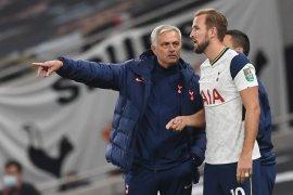Bos Tottenham Hotspur Jose Mourinho semprot Southgate, larang Kane main di laga persahabatan