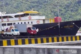 Satu penumpang kapal hilang karena lompat ke laut