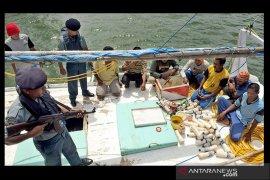 "Nyamar jadi nelayan, KKP tangkap 8 pelaku ""destructive fishing"""